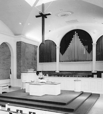 Photo of Glenview Community Church sanctuary in the 1960s.
